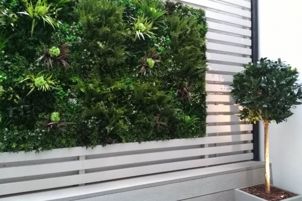 Artificialgreenwall2