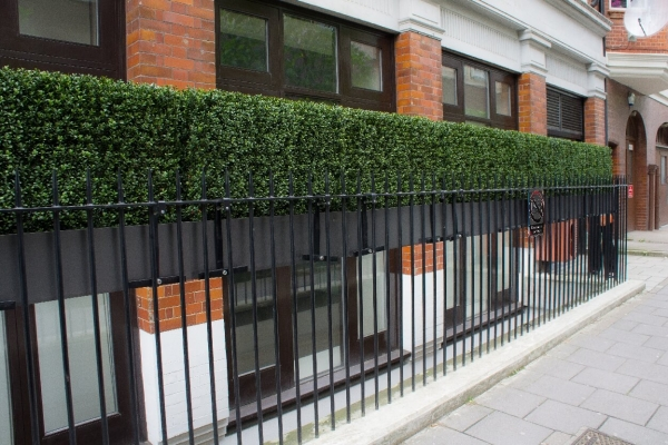Artificial boxwood hedge railing