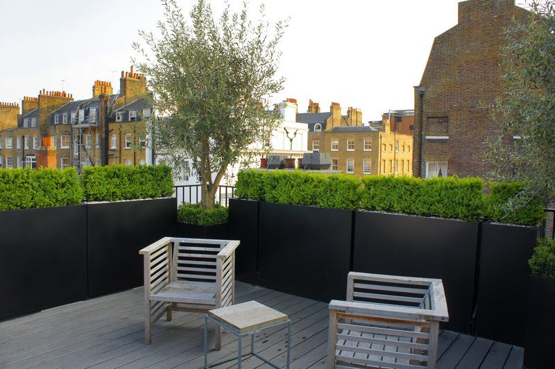 Roof terrace design roof terrace planters outdoor for Terrace white